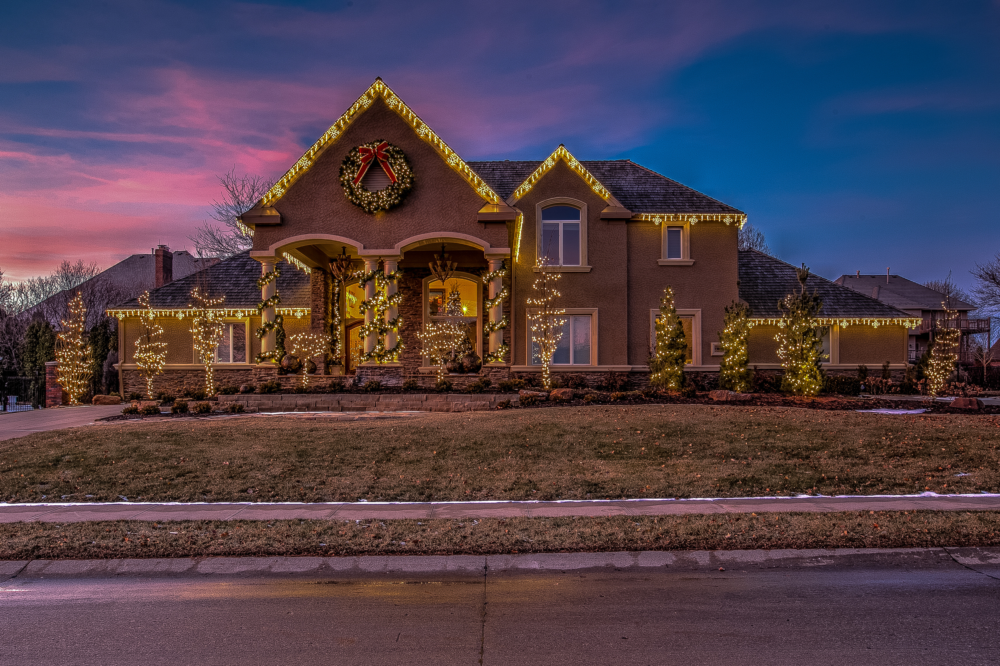 Residential Christmas Lighting Display